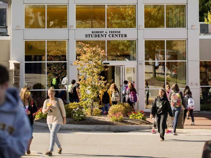 Study In USA: Southern New Hampshire University International Merit Scholarships 2019